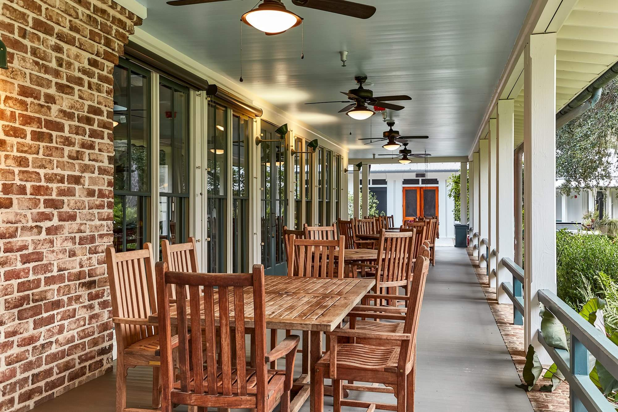 Clubhouse-Porch-Seating-Web